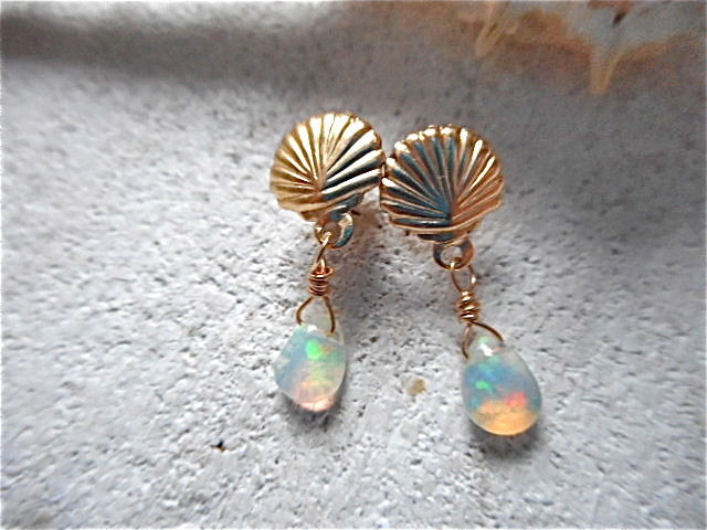 Mermaid Opal Earrings  14kgf