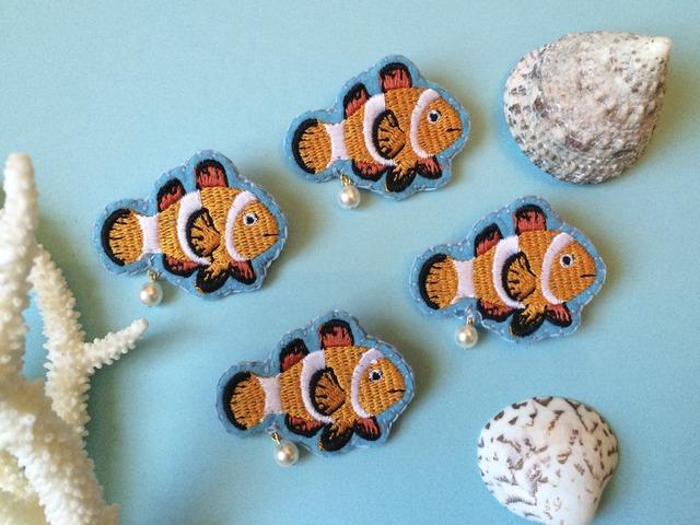 カクレクマノミの刺繍ブローチ