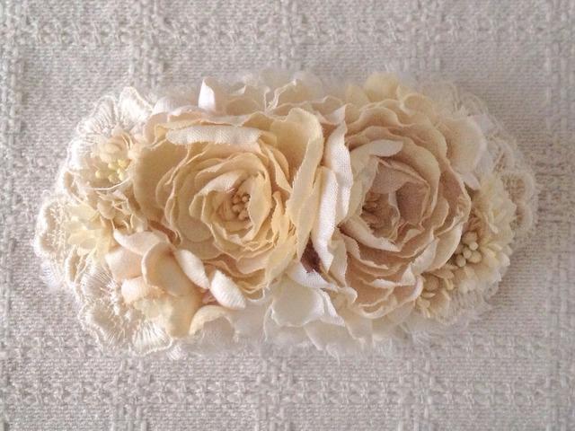 染め花の2wayヘアアクセサリー(オフホワイト)