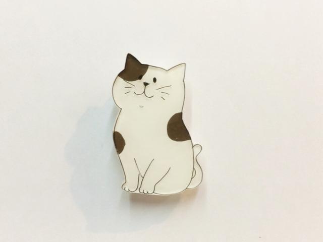 ねこブローチ/こげ茶しろさん【プラバン】
