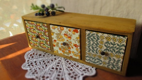 リバティ引き出し木製飾り棚/NancyAnnイエロー系