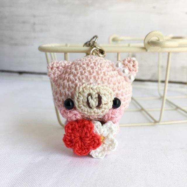 【受注生産】赤色小花・淡ピンク色ブタさん*鈴付きイヤホンジャックストラップ
