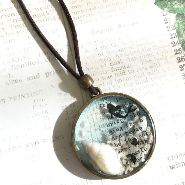 貝殻とマーメイドのネックレス