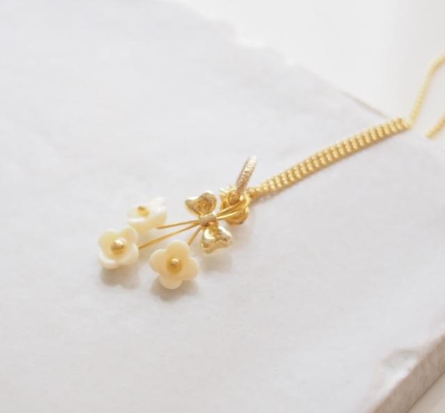 小さな花束ネックレス