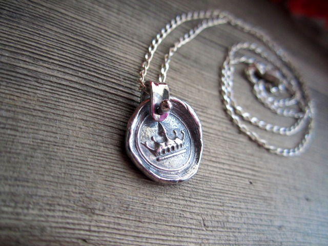 Sealing Stamp Pendant.~Crown~