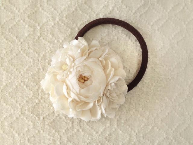 染め花のヘアゴム(オフホワイト)