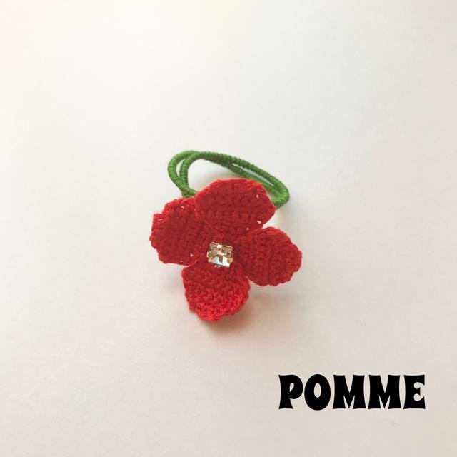 刺繍糸でできたお花のリング(赤)
