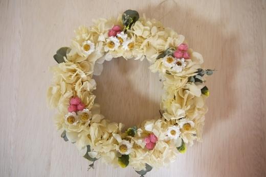 ms様専用オーダー品アジサイと小花の黄色いリース
