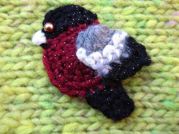 鳥 ニットブローチ