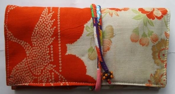 送料無料 花と鶴柄の着物で作った和風...