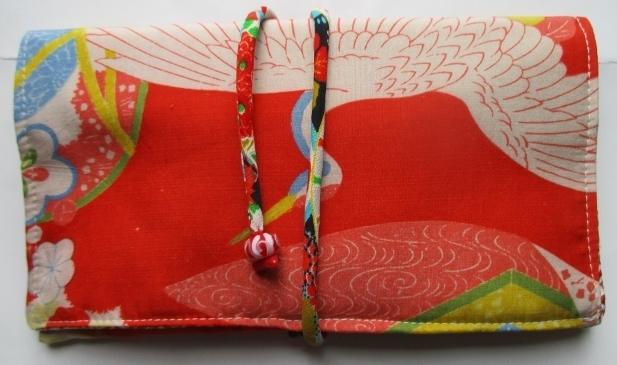 送料無料 鶴と花柄の着物で作った和風...