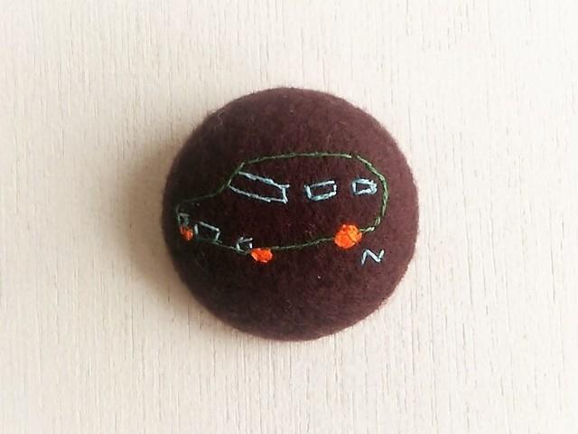 刺繍ブローチ 「自動車」