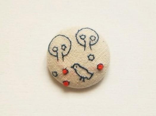 【受注制作】刺繍ブローチ「鳥と実」