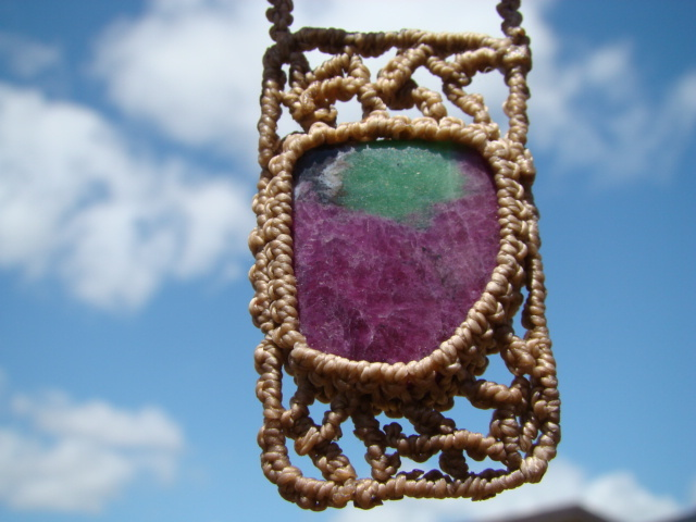 天然石 ルビーインゾイサイトとカンババジャスパーのマクラメ編みネックレス