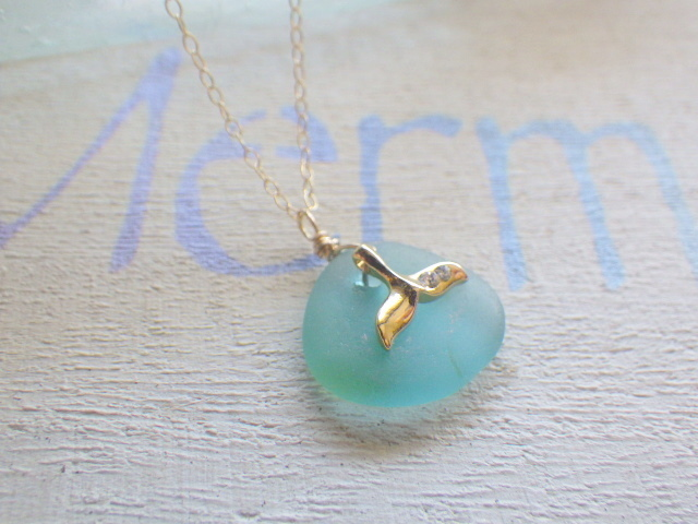Whale Tail Seaglass Necklace*14kgf