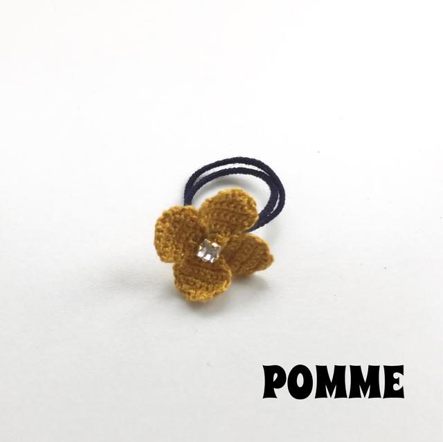 刺繍糸でできたお花のリング(マスタード)