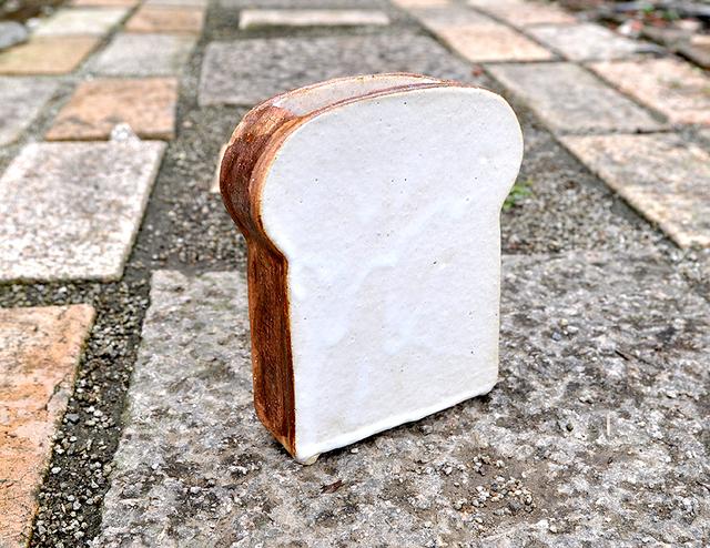 厚切り食パンの花瓶