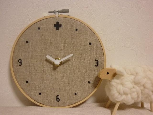 クロスステッチ刺繍時計:クロス・北欧...