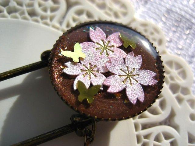 桜とゴールドバタフライのブローチ_247