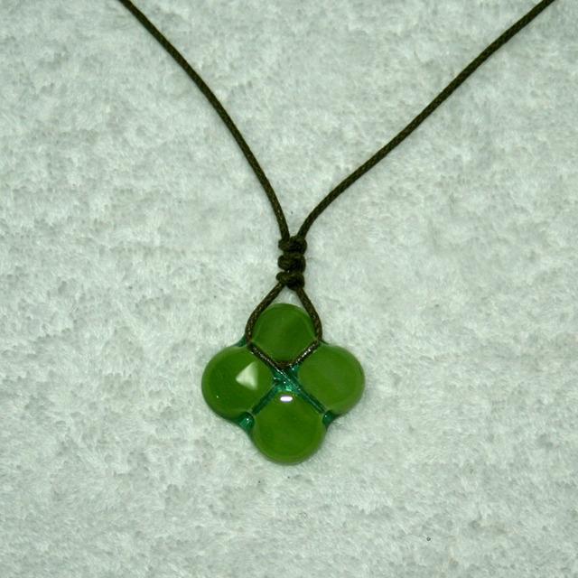 ネックレス 四つ葉 緑 No,1679