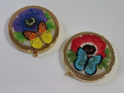アネモネと蝶々のコンパクトミラー