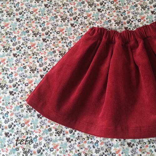 【size90】(裏地付、右脇ポケット付)タックギャザースカート
