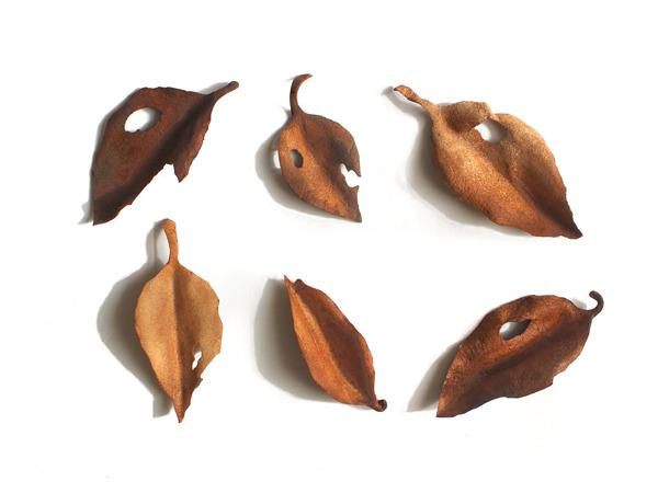 レザーブローチ【fallen leaves】type.7