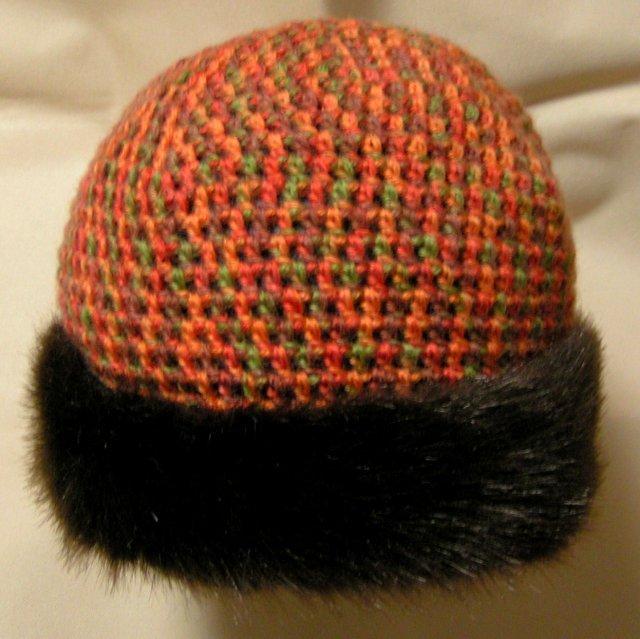 段染めのニット帽子 フェイクファー付き