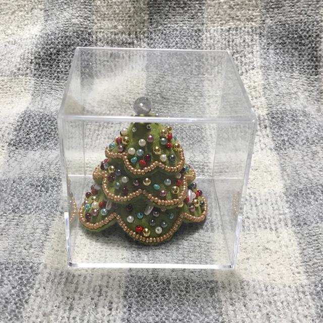 色とりどりのミニミニクリスマスツリー