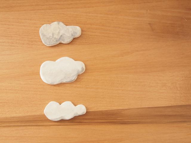 10月、雲のブローチ