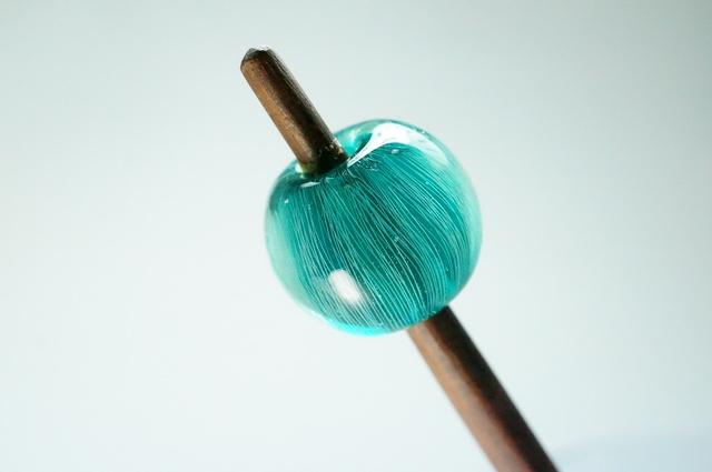 青緑色のかんざし・木軸紫檀