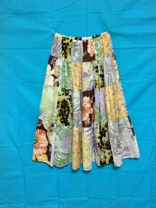 6種の花柄のパッチワークティアードスカート