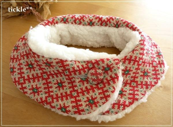 赤色ジャガード×ホワイトファー 襟つきネックウォーマー