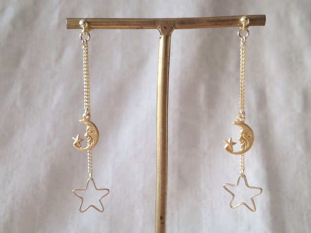 月と星の2連ピアス