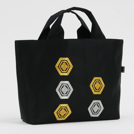 ゴールド×シルバー亀甲文様 ポリエステル帯バッグ