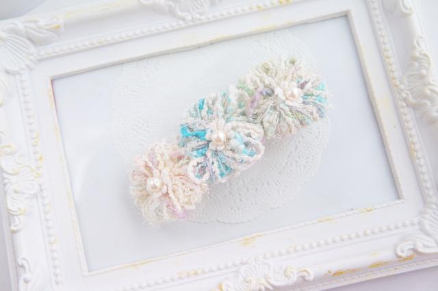 毛糸Flowerのふわふわバレッタ