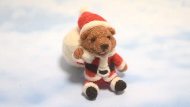 クリスマスの日に寝坊した サンタのクマ太郎