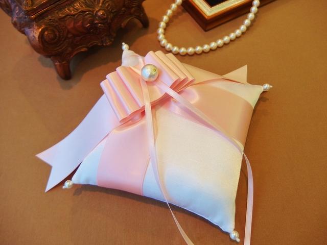 【お値下げ】シャンタンとリボンのリングピロー(ピンク)