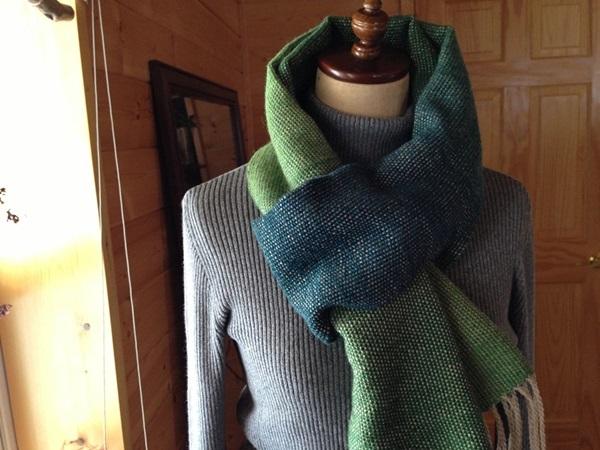 手織り リトアニアリウール 綺麗なグラデーショングリーン