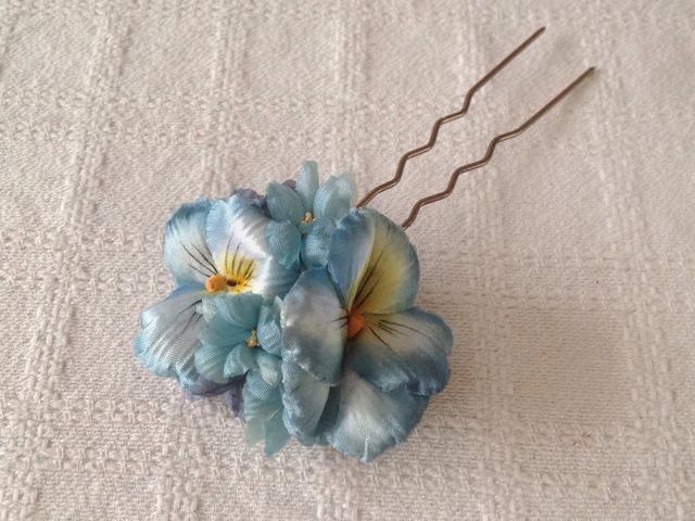〈染め花〉三色スミレと小花のかんざし(ブルーグリーン)