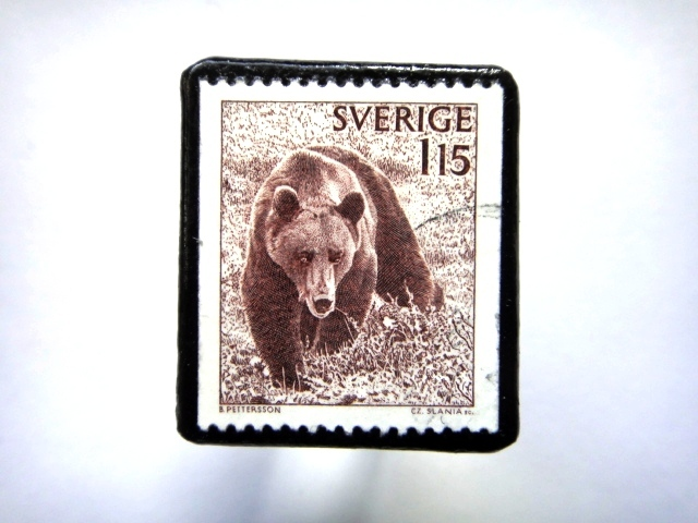 スウェーデン「くま」 切手ブローチ689