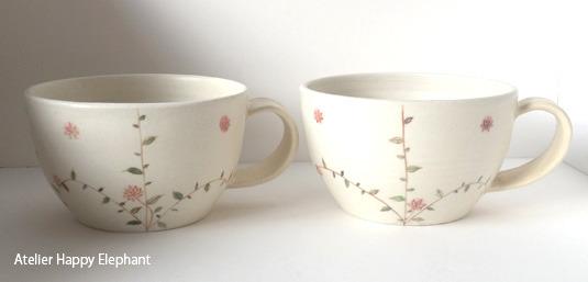 お花模様のスープカップ D