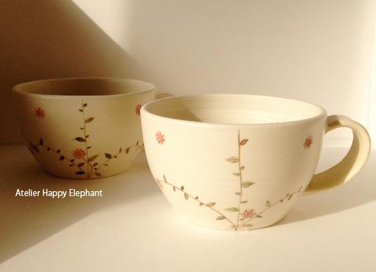 お花模様のスープカップ E