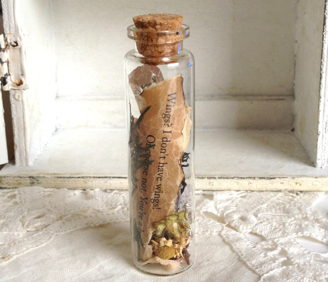 Movie Quote Bottle - The Dark Crystal (size:L / 2 lines)