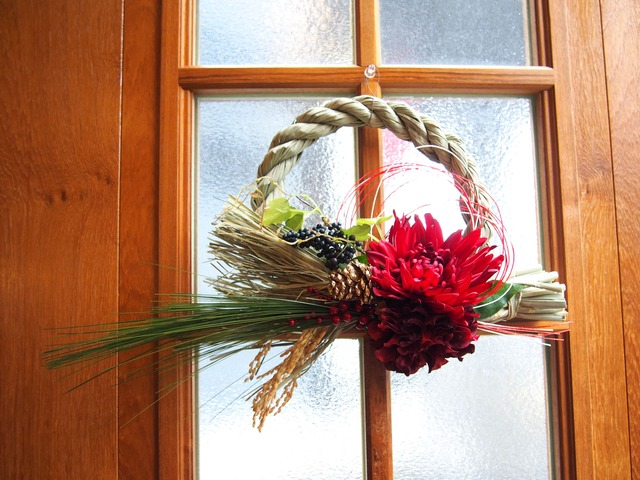 人気沸騰★アートフラワーお正月飾り・しめ縄 赤菊
