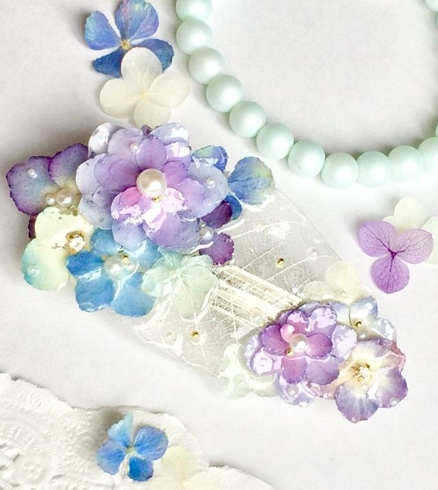 ホワイトリーフと季節の紫陽花バレッタ