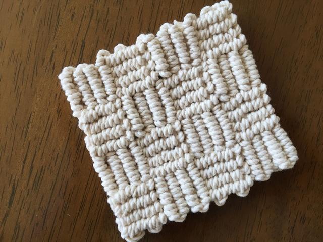 生成り糸で作るマクラメ編みのコースタ...