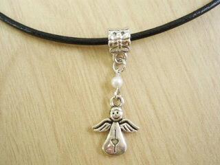 【7月31日迄値引】小さな天使のネックレス