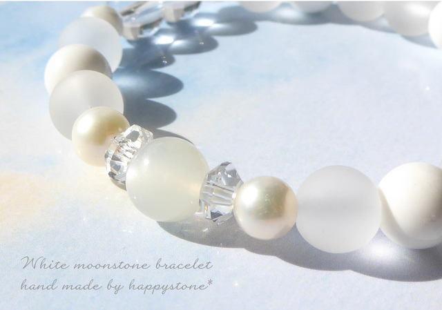 White**ホワイトムーンストーンのブレス...