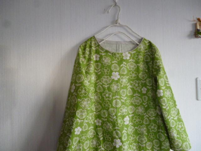北欧調綿麻のAラインワンピラインフラワー黄緑